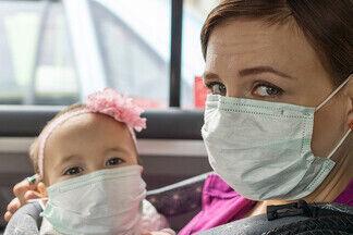 Японские врачи предупредили, что маски могут быть опасны для малышей