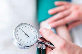 Аритмия грозит инсультом? Расспрашиваем врача о правильном ритме сердца