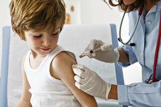 Главный санитарный врач ответила на опасения родителей о прививках в школах