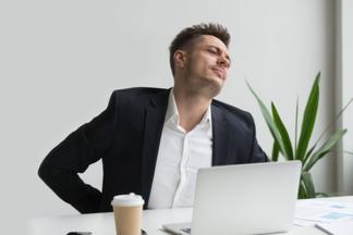 Боремся с сидячим образом жизни: 5 упражнений, которые спасут вашу спину