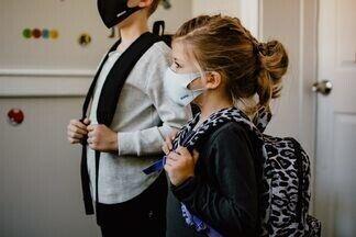 Новые штаммы коронавируса более опасны для детей?