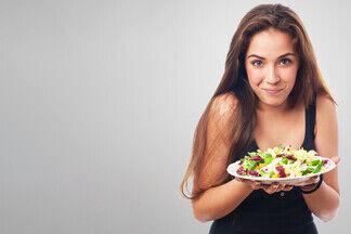 10 мифов о снижении веса. Диетолог рассказывает, что реально помогает похудеть