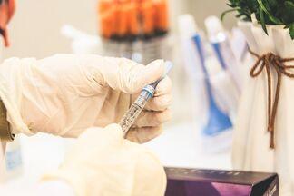 Можно ли заболеть коронавирусом из-за введения вакцины? Отвечает эксперт