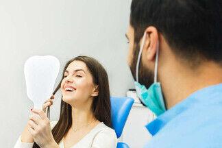 Недорого и без боли. Рассказываем про новый способ имплантации зубов по методу Fast&Fixed