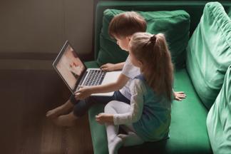 Когда вы с детьми дома. Психолог рекомендует мультфильмы, которые полезно смотреть всей семьей